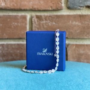 NWOT Swarovski Crystal Necklace